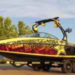 Оклейка катеров и лодок виниловой пленкой - обтяжка по низкой цене в Москве