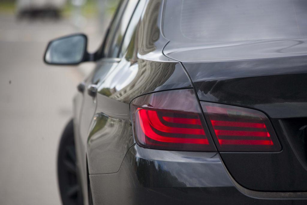 Тонировка задних фонарей пленкой — «Измени Авто»