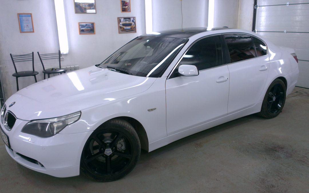 Оклейка белой глянцевой пленкой по низкой цене в Москве - «Измени Авто»