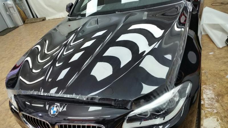 Защита капота антигравийной пленкой — оклейка в Москве в компании «Измени Авто»