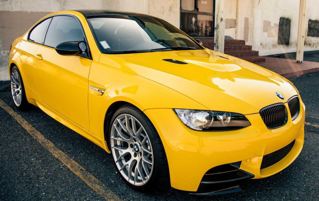 Оклейка авто золотой пленкой — «Измени Авто»