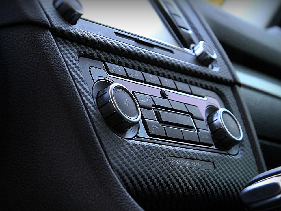Оклейка отдельных деталей автомобиля пленкой по низкой цене в Москве
