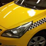 Оклейка авто желтой пленкой под такси в Москве недорого