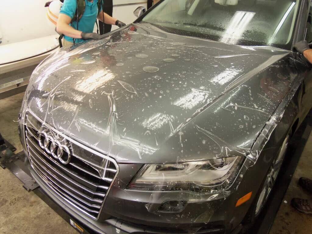 Оклейка автомобиля защитной пленкой от сколов по низкой цене в Москве